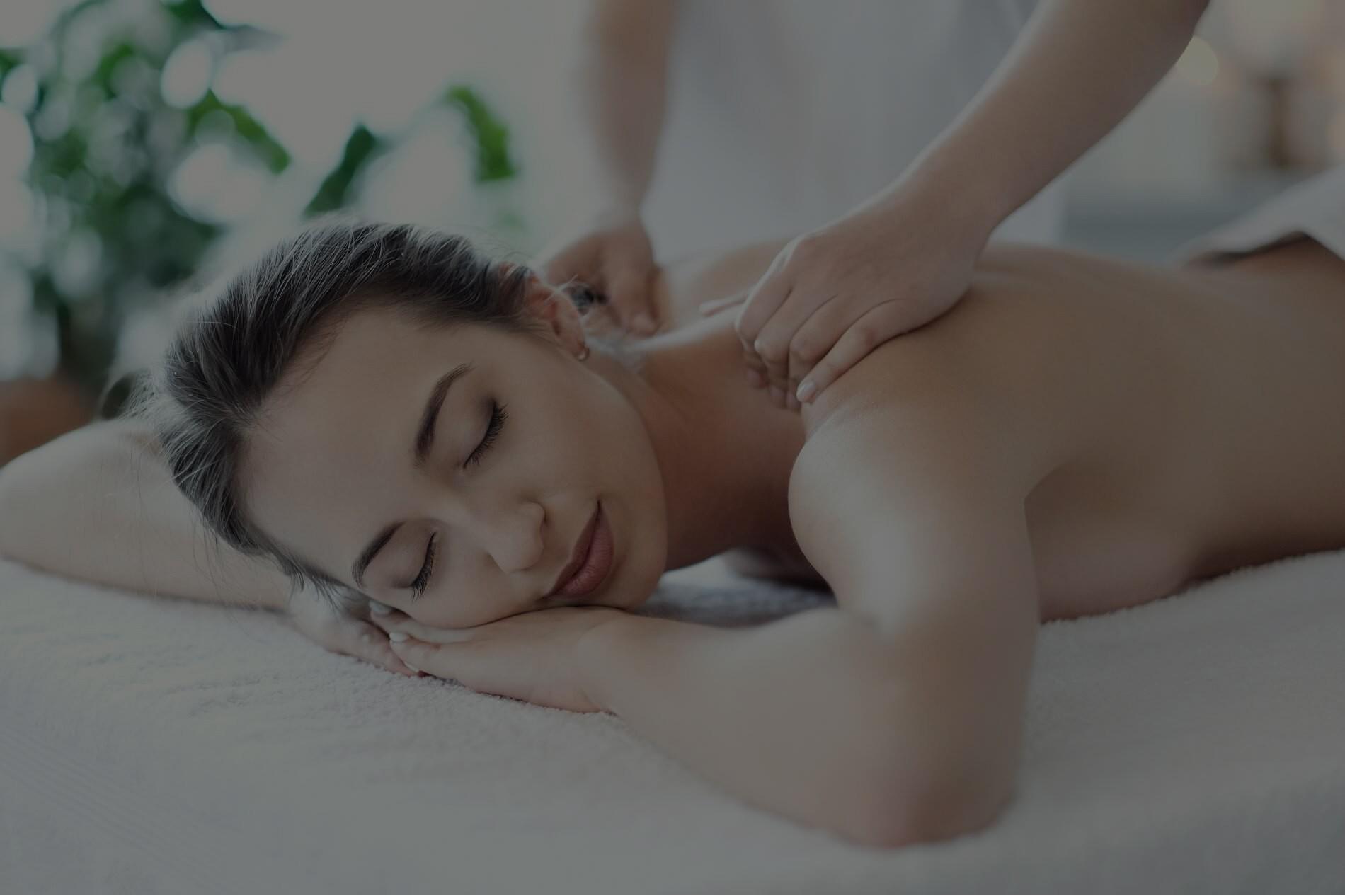 woman-massage-op