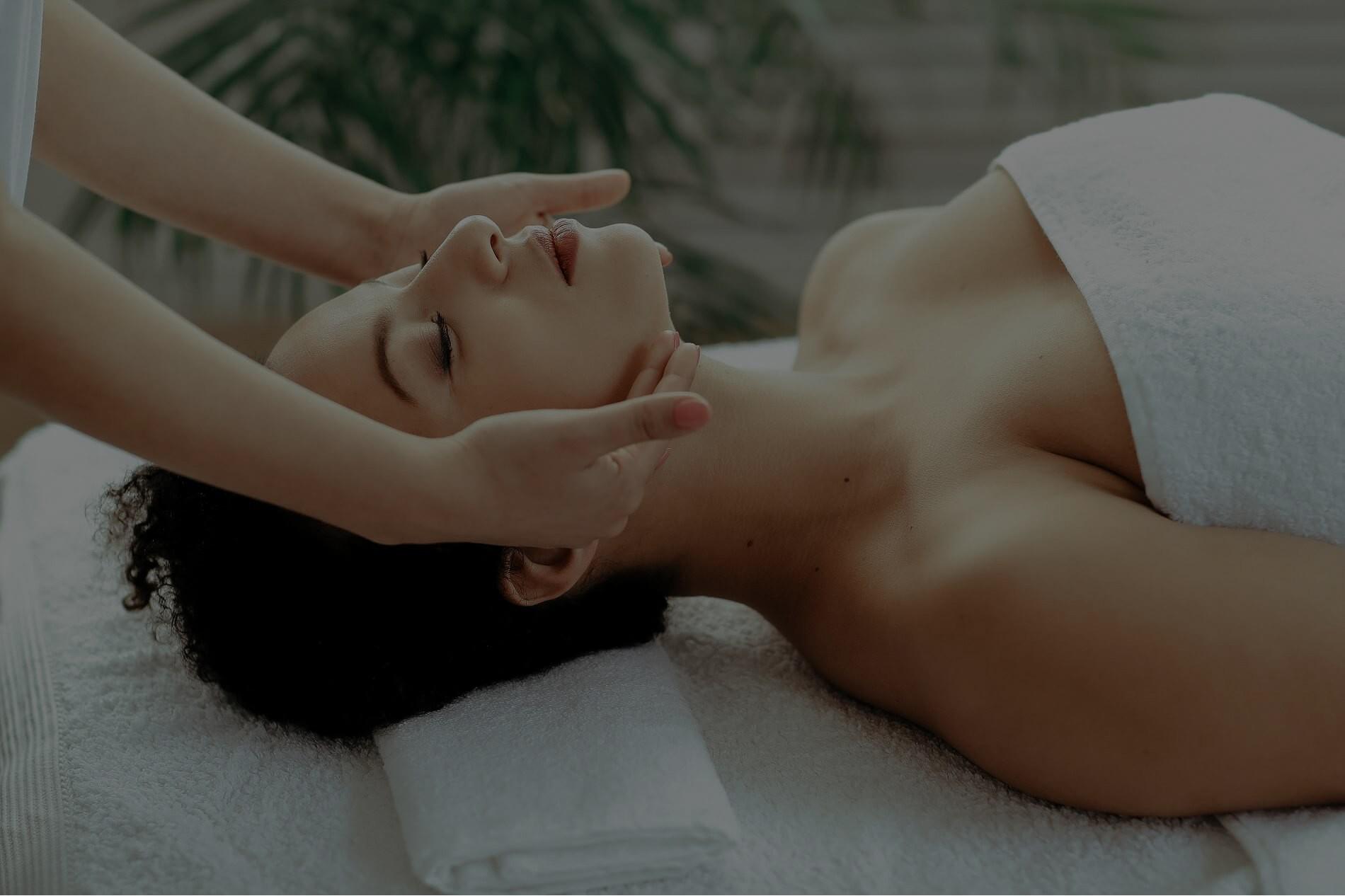 women-facial-massage-op
